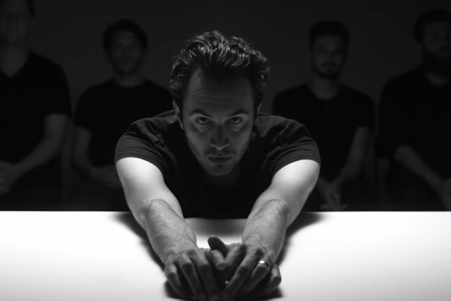 "Neues Editors-Video ""No Harm"""