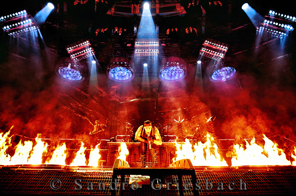 rammstein spielen zwei shows in berlin negatief. Black Bedroom Furniture Sets. Home Design Ideas